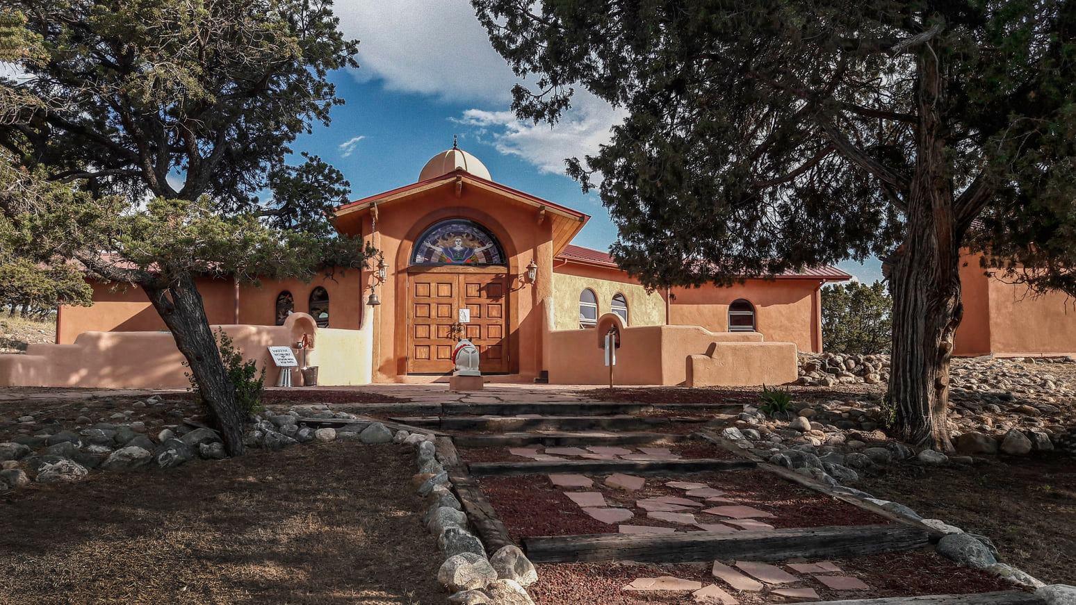 image of the Haidakandi Ashram in Crestone