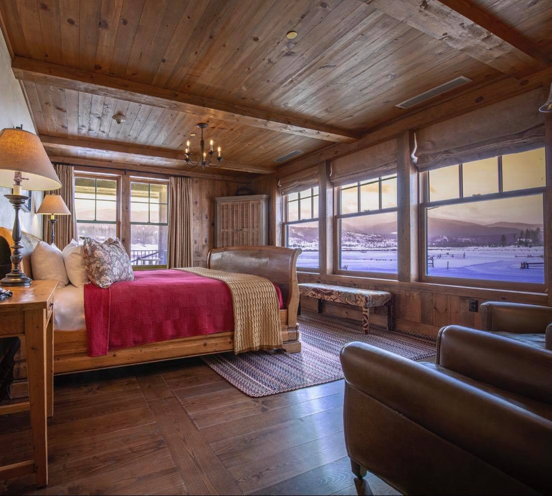 image of devil's thumb ranch room