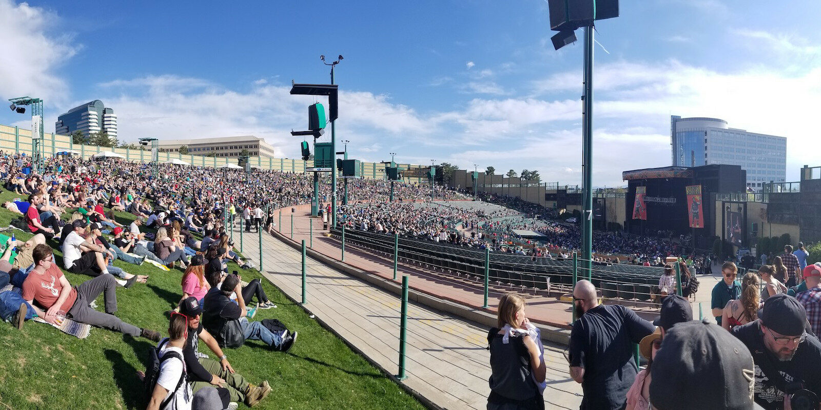 Image of the crowd at Fiddler's Green Amphitheatre in Greenwood, Colorado