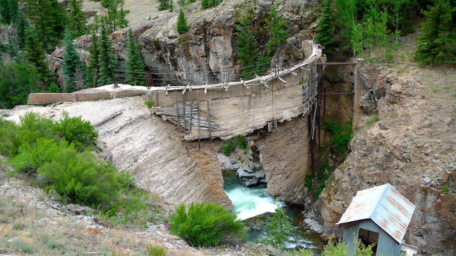 Image of the Henson Creek Dam in Colorado