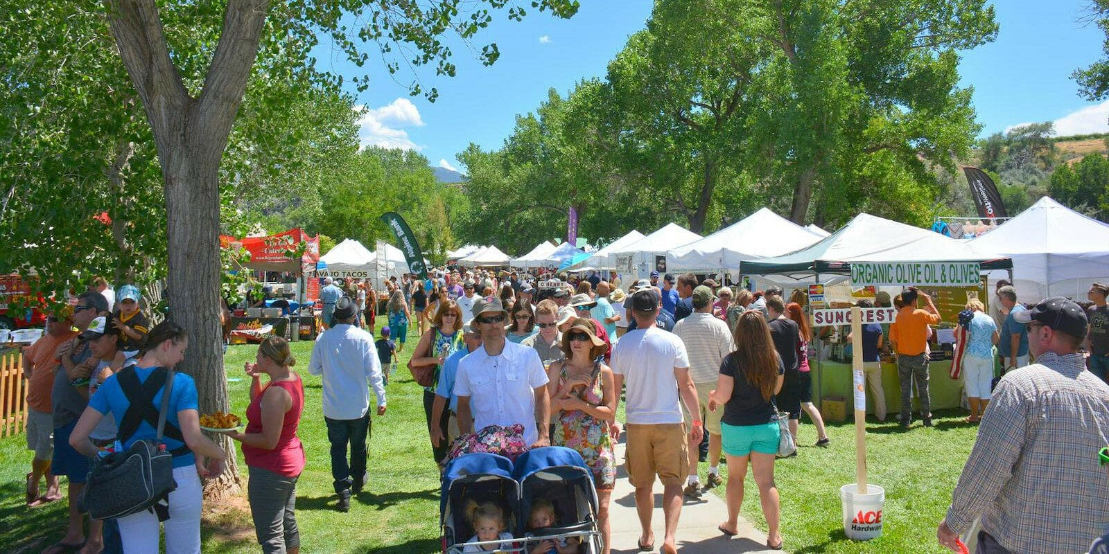 Image of the crowds at the Palisade Peach Festival in Colorado
