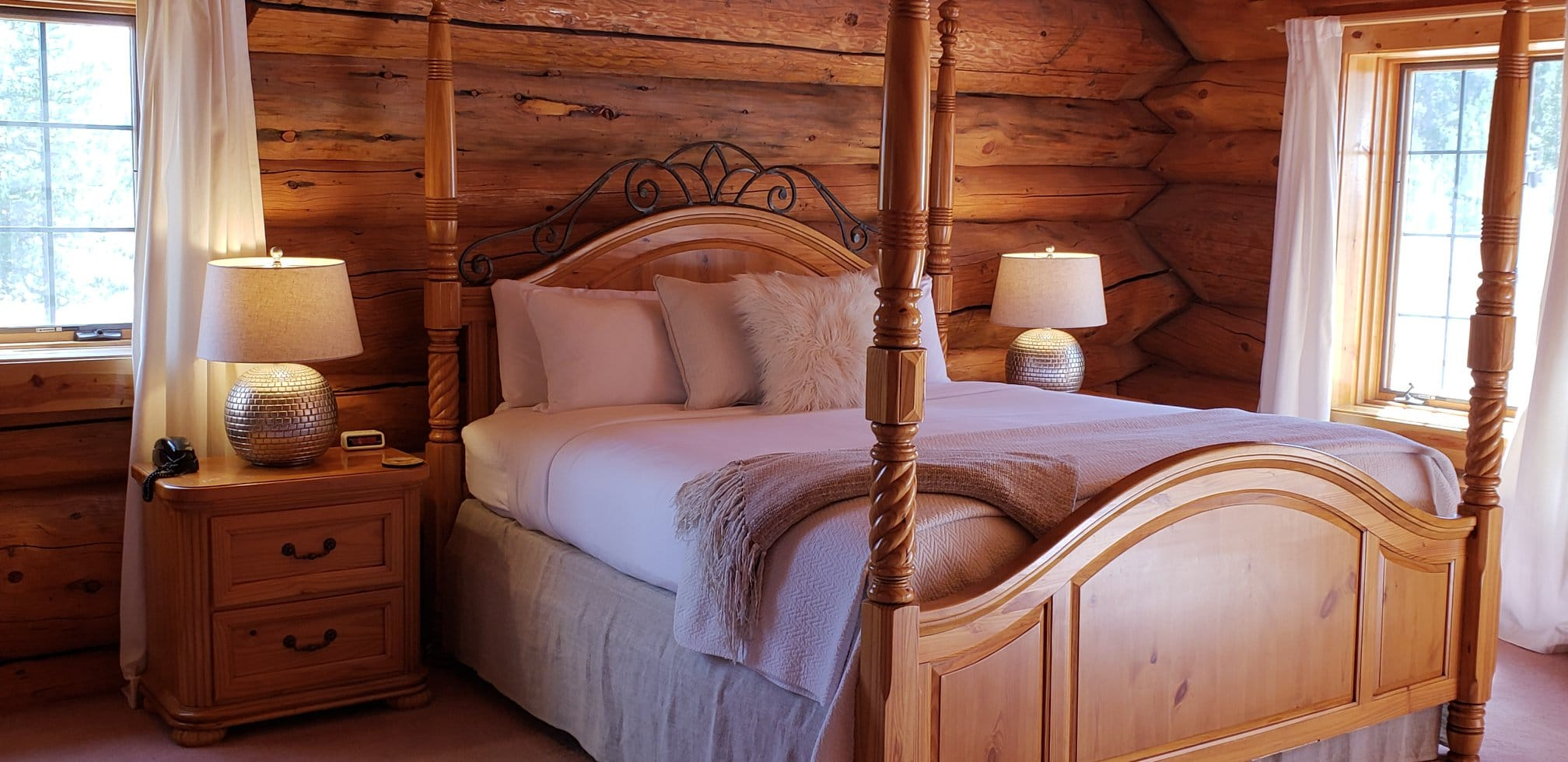 image of room at wild horse inn