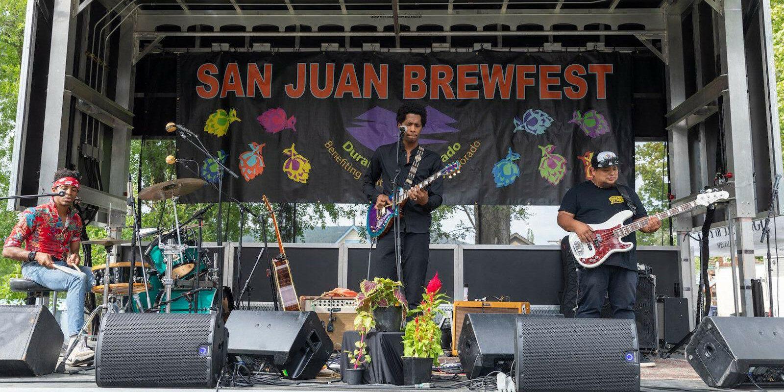 Image of a performer at the San Juan Brewfest in Durango, Colorado