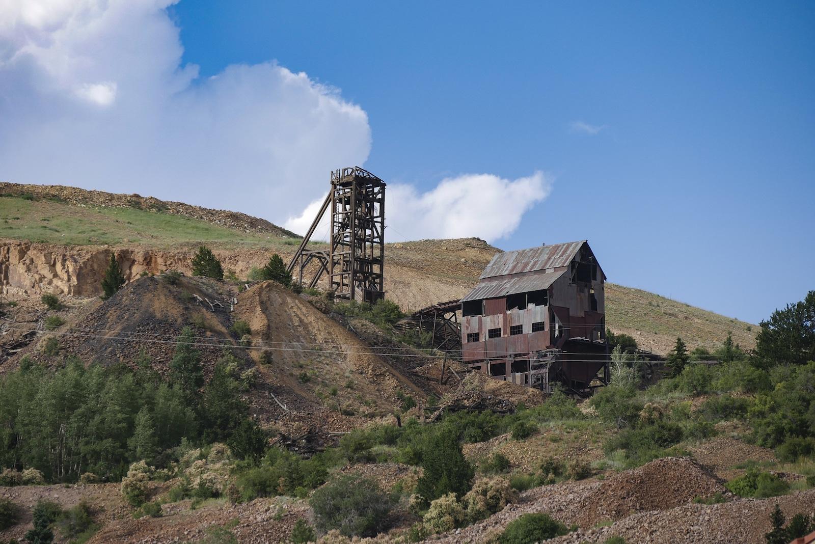 Abaikan Tambang yang menghadap ke Victor, Colorado