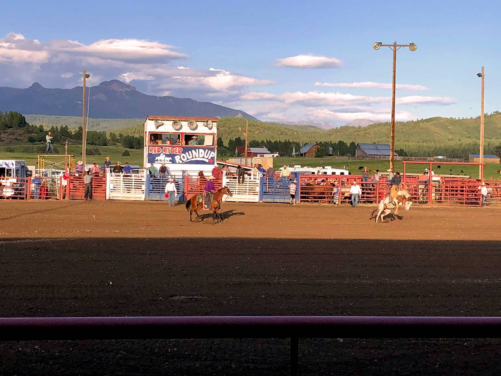 Gambar rodeo di Archuleta County Fair di Pagosa Springs, Colorado