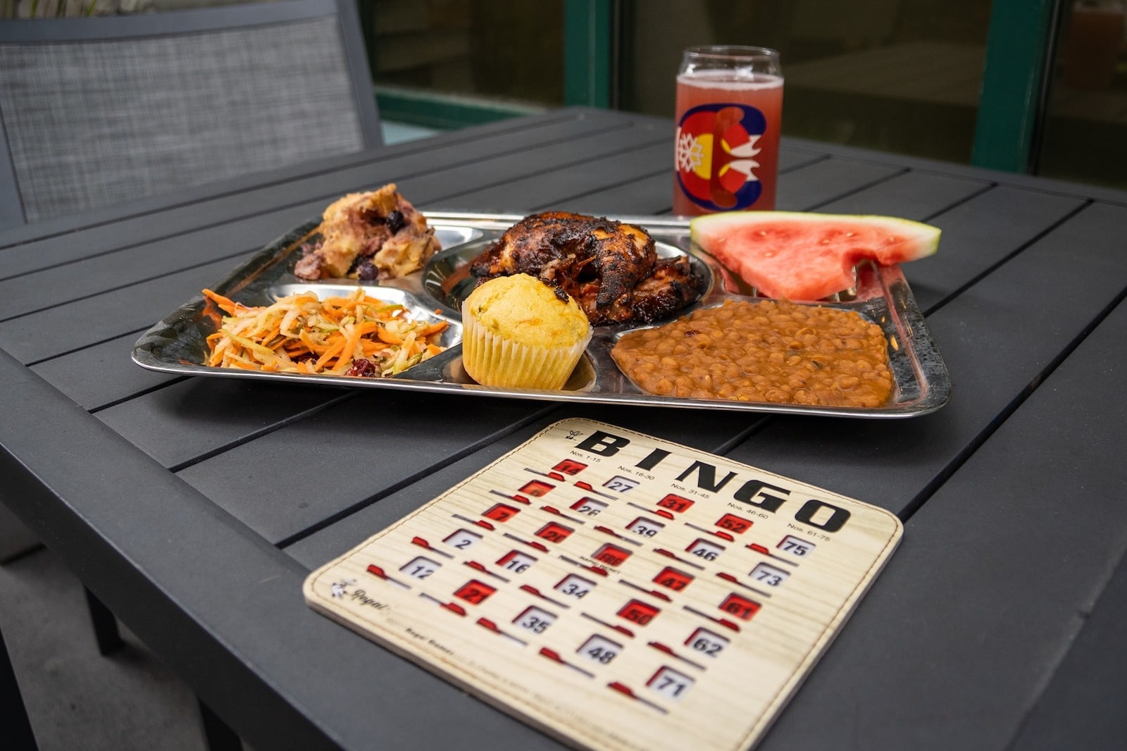 Gambar bir, kartu bingo, dan BBQ di Copper Mountain, Colorado