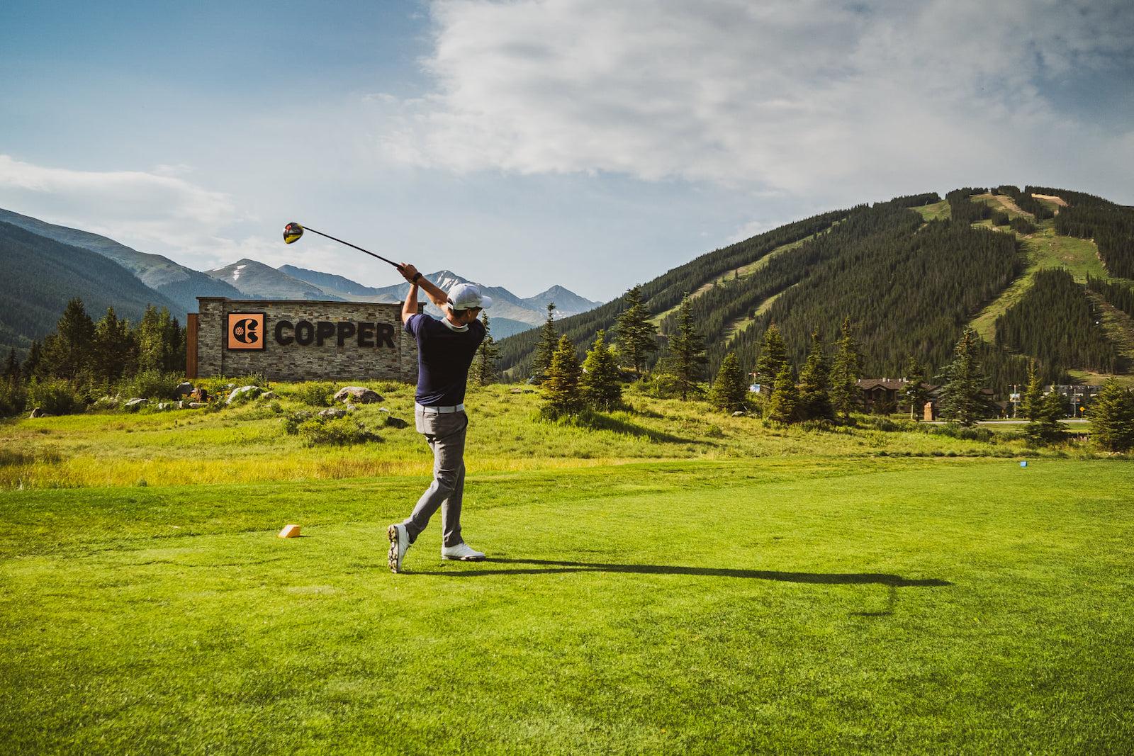 Gambar untuk seseorang bermain golf di Copper Mountain