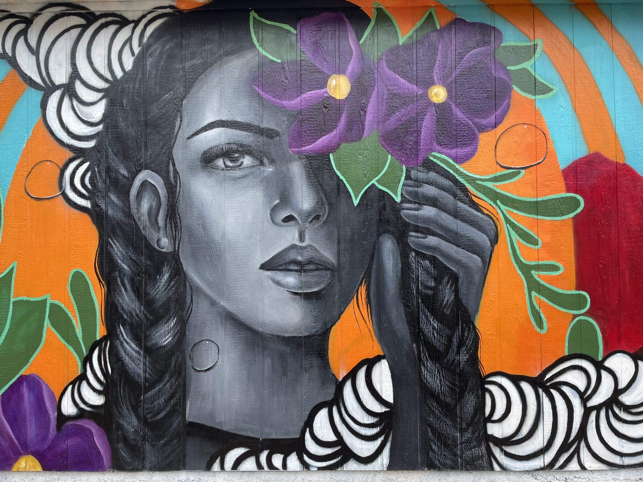 gambar mural farout di walsenburg