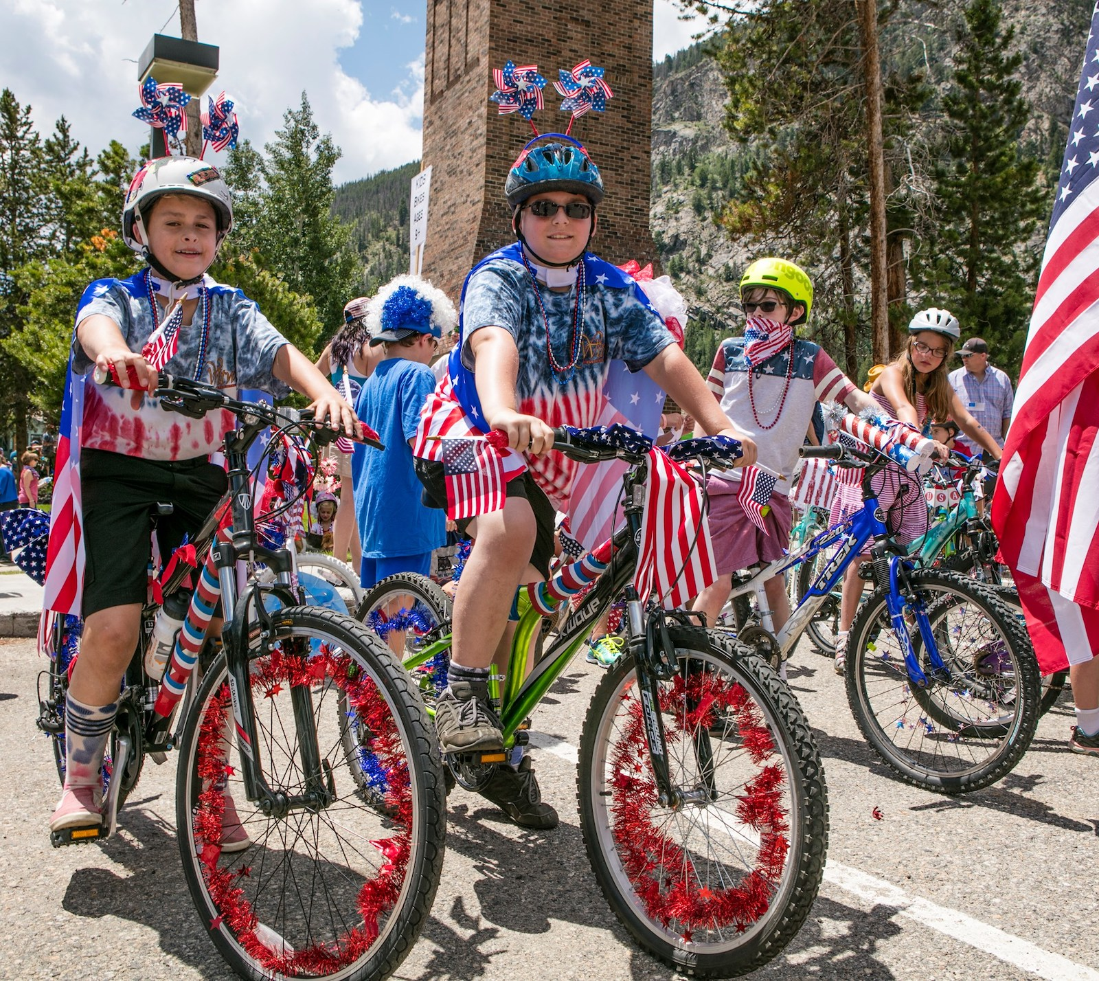 Image of two kids dressed up for July 4th in Frisco, Colorado
