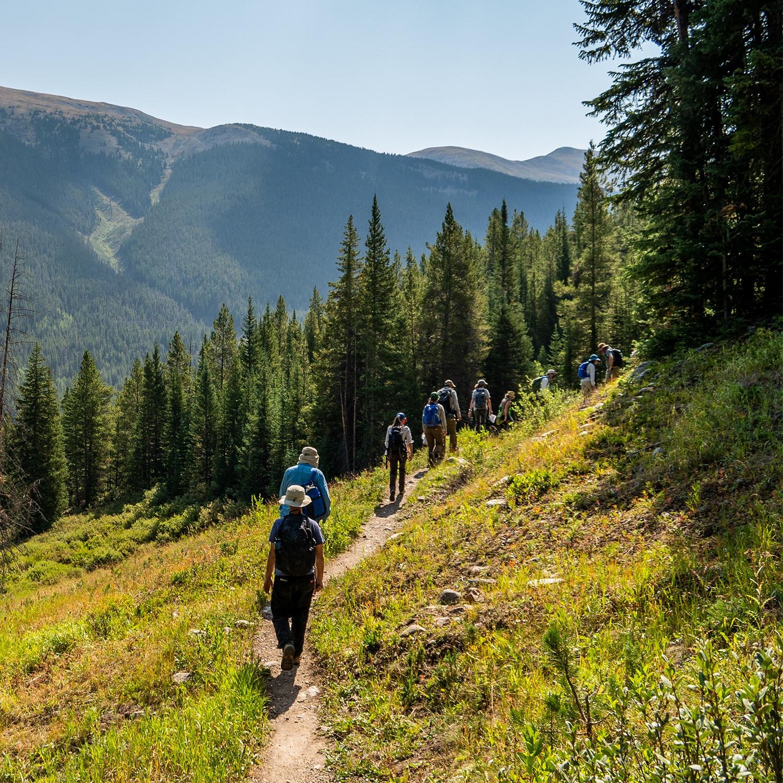 Gambar orang mendaki Gunung Copper, Colorado