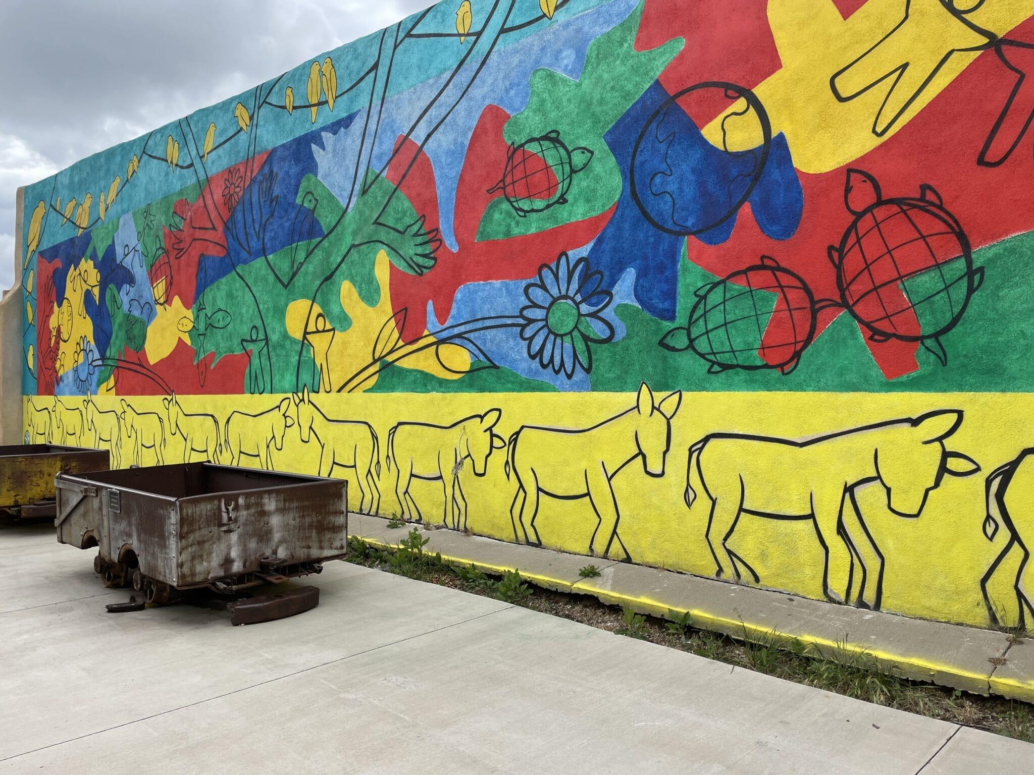 gambar mural di walsenburg