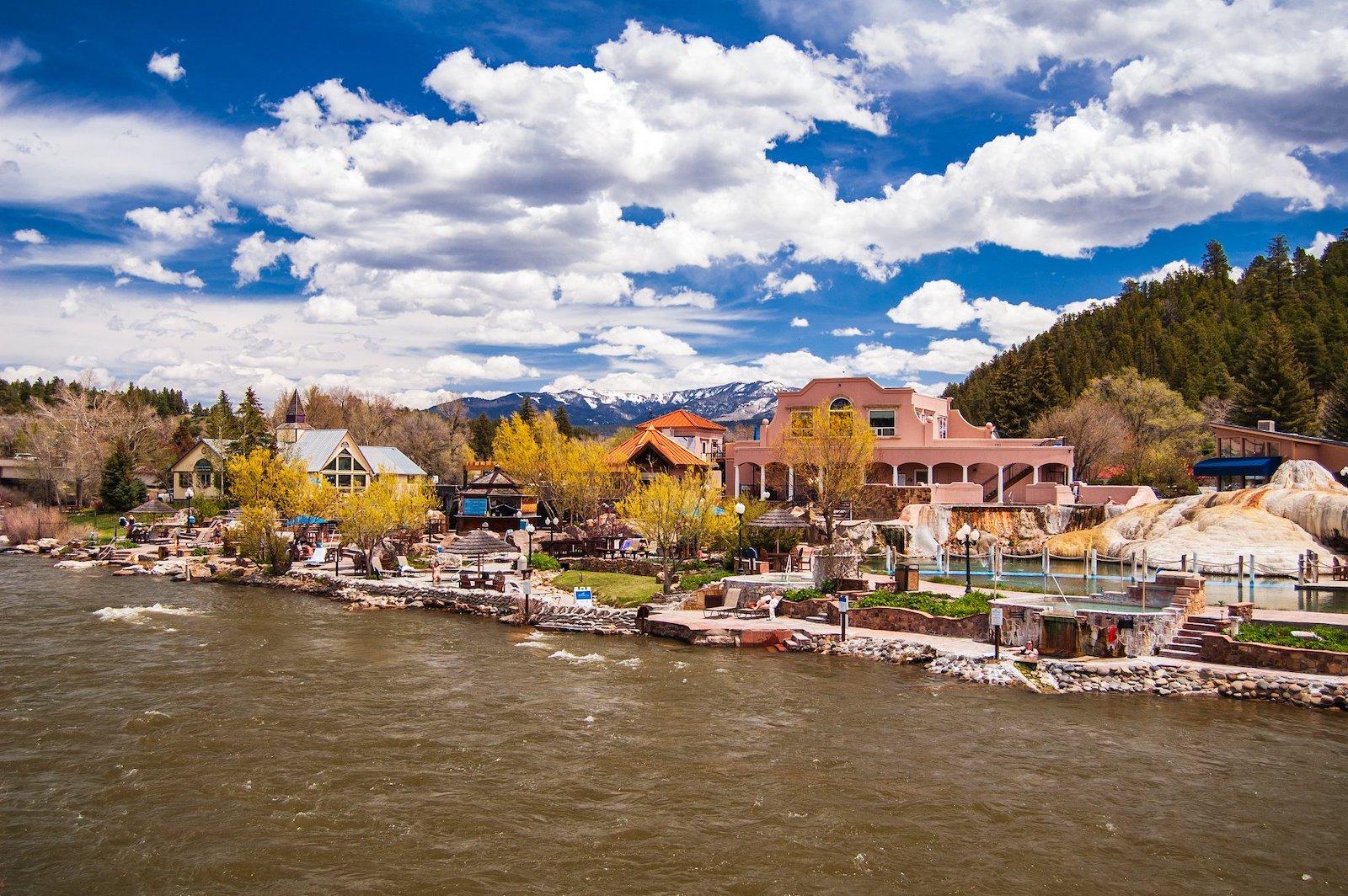 Gambar pusat kota Pagosa Springs, Colorado