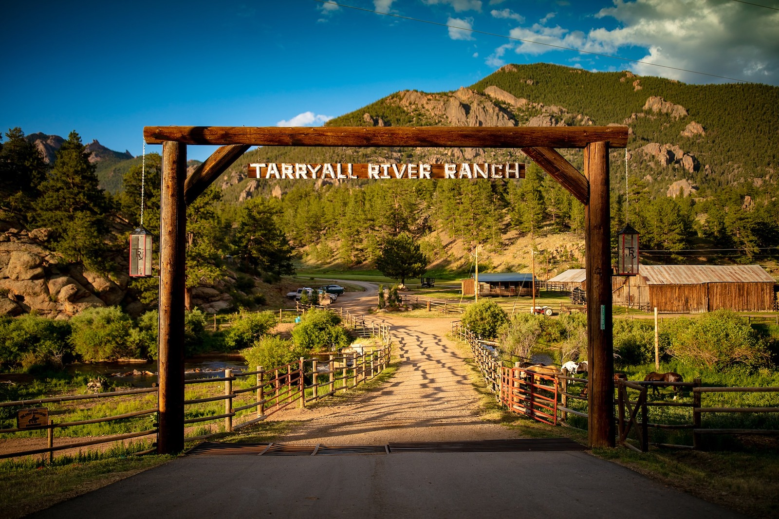 Image of the entrance of Tarryall River Ranch in Lake George, Colorado