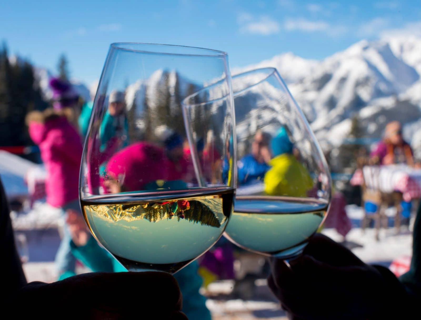 Gambar anggur putih dan aspen