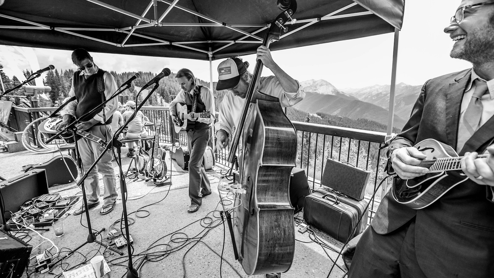 Gambar band bermain bluegrass di Aspen Snowmass, Colorado