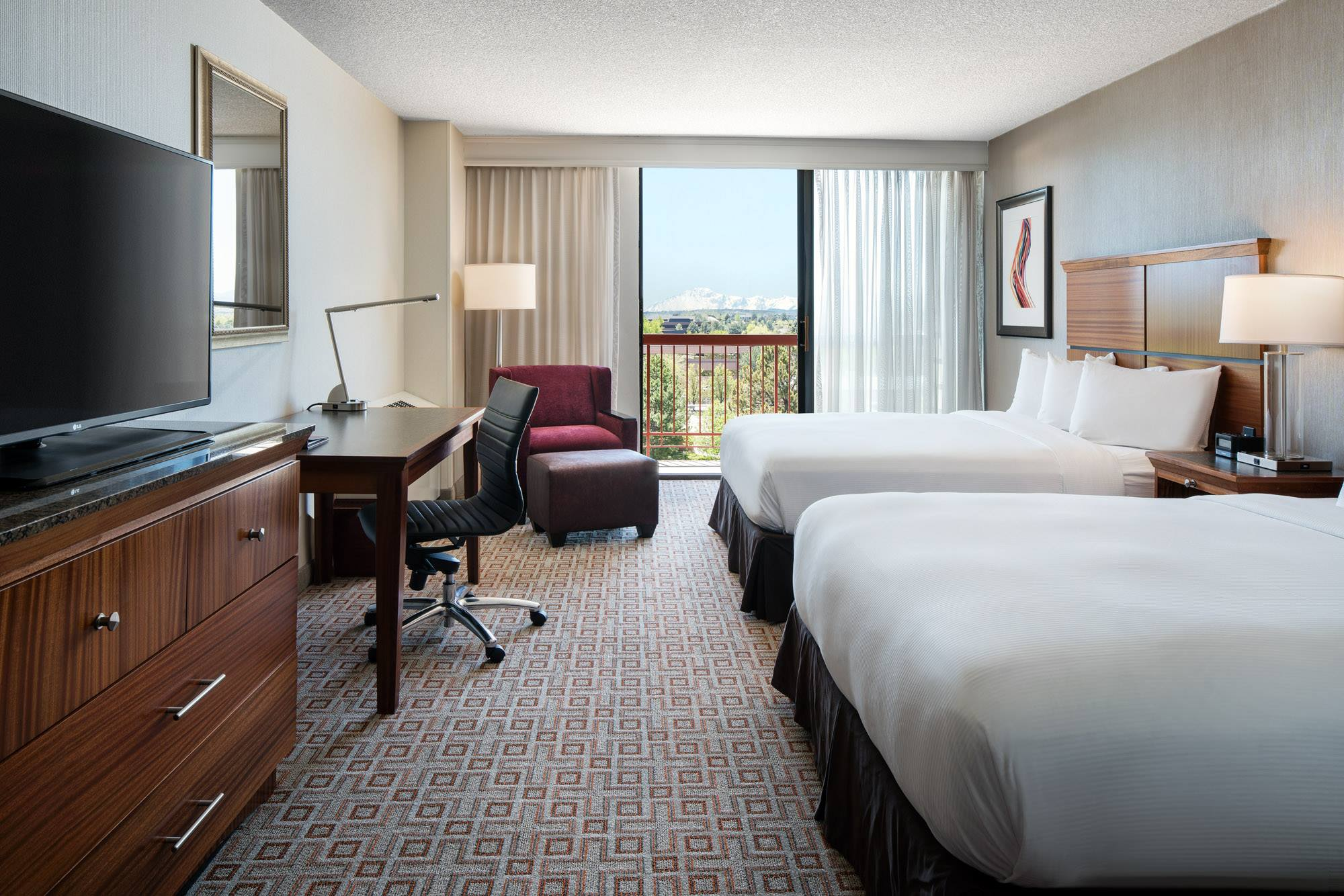 guest room at doubletree hotel in greenwood village