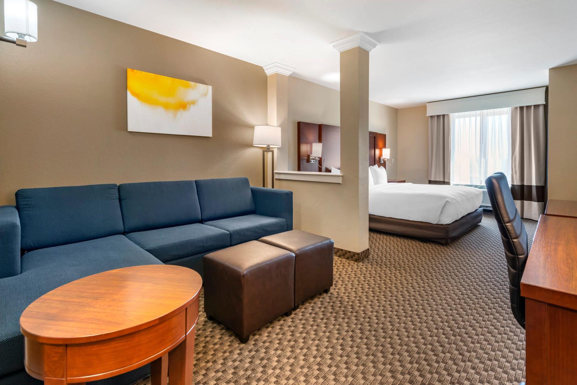 king suite at comfort suites broomfield