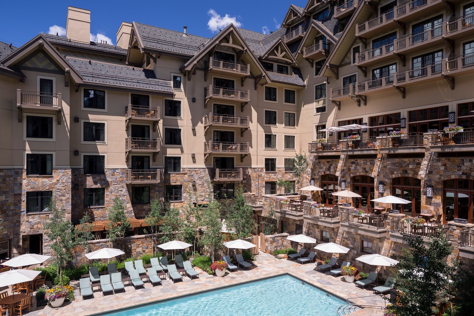 Image of the pool at the Four Seasons Resort Vail in Colorado