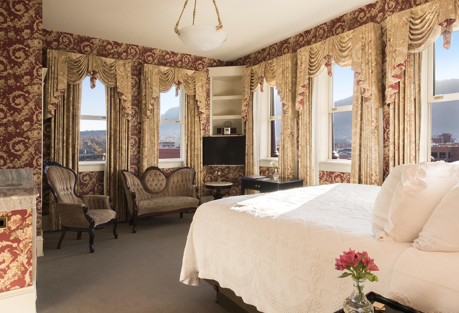 Image of bedroom 509 at Hotel Boulderado in Boulder, CO