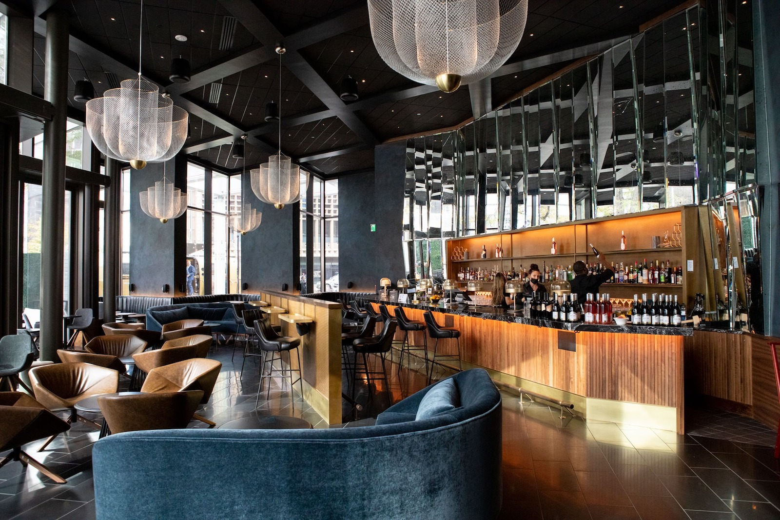 Image of bar at the Sheraton Downtown Denver in Colorado