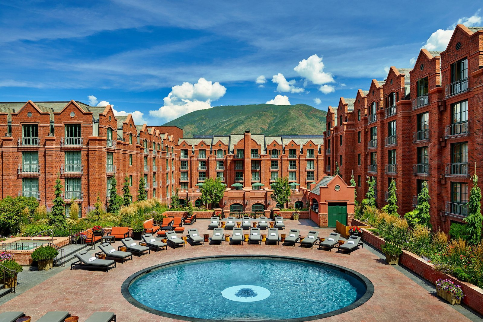 Image of the pool at the St. Regis in Aspen, Colorado